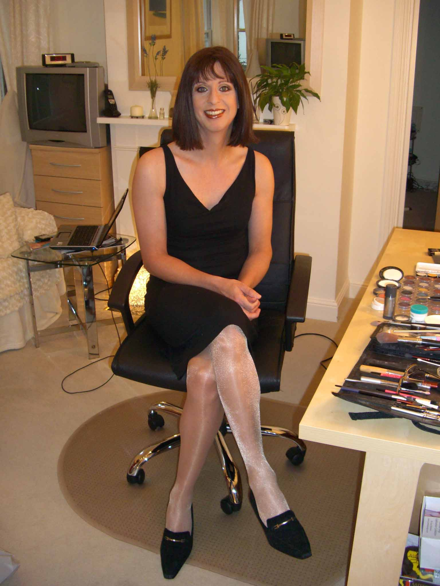 Sarah in AMC Makeover Room